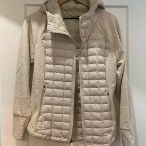 WOMEN the North face thermoball hoodie size medium